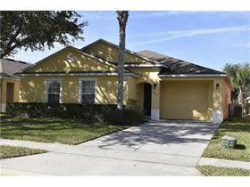 House For Sale in Orlando - 3 bedrooms with private pool - can be rented on short term rental program $178,500