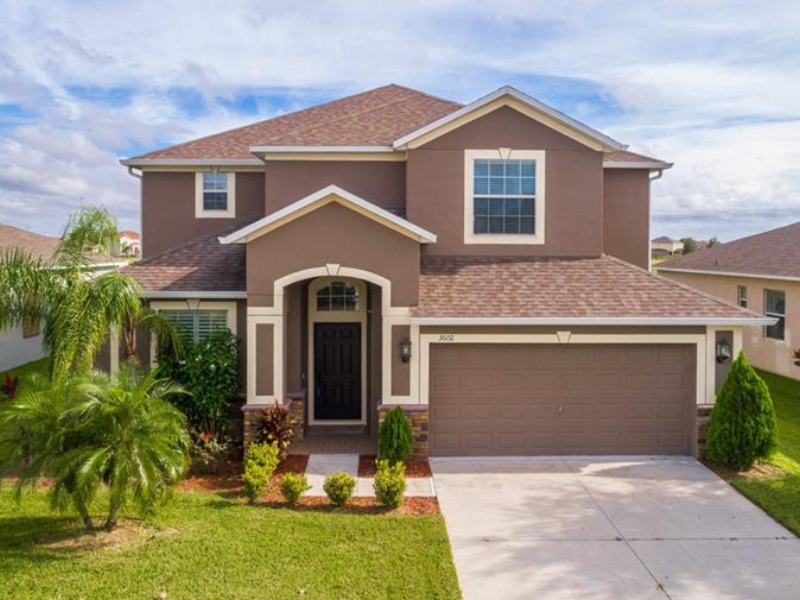 Luxury House For Sale In Front Of The Lagoon - Orlando - $375,000
